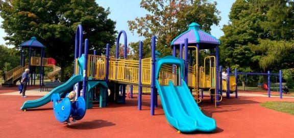 Burloak Waterfront Park playground