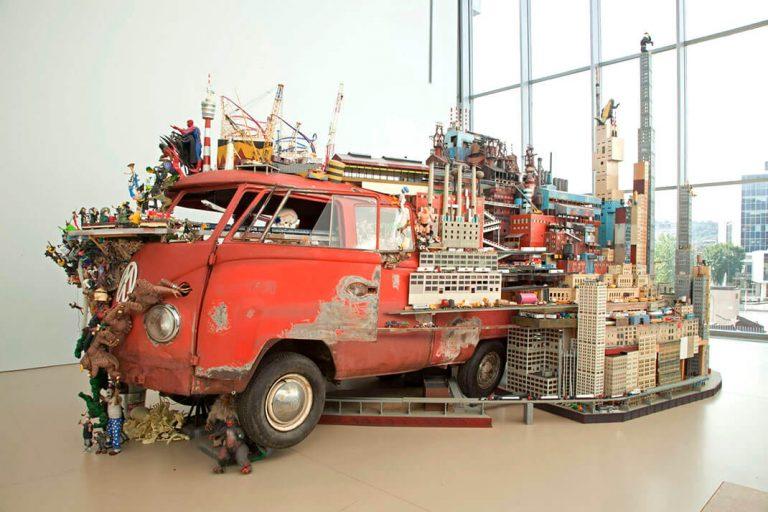Kim-Adams-Bruegel-Bosch-Bus-AGH3